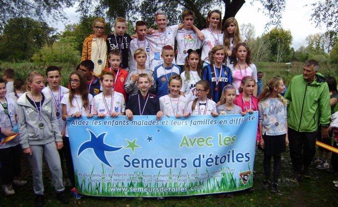 Les médaillés du cross des as avec Claude Gewinner sur la droite. PHOTO DNA les médaillés du cross des as avec Claude Gewinner sur la droite PHOTO DNA